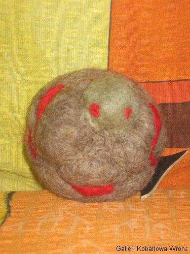 Filt demon ca.8cm, 100 DKK, 2009